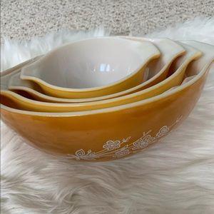 Antique Nesting bowls floral Cinderella set of 4